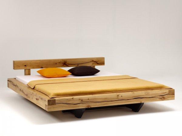 Bett aus balken selbst bauen betten selber bauen anleitung for Balkenbett bauen