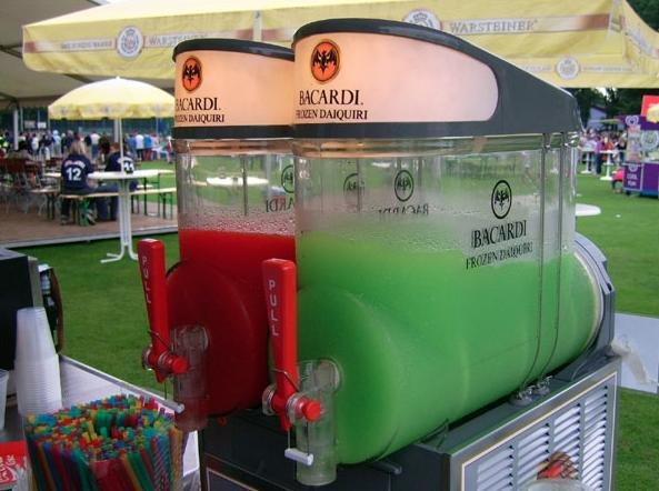 Bacardi Frozen Daiquiri Premix Erdbeere (1 x 1.5 l = 5 Liter ...