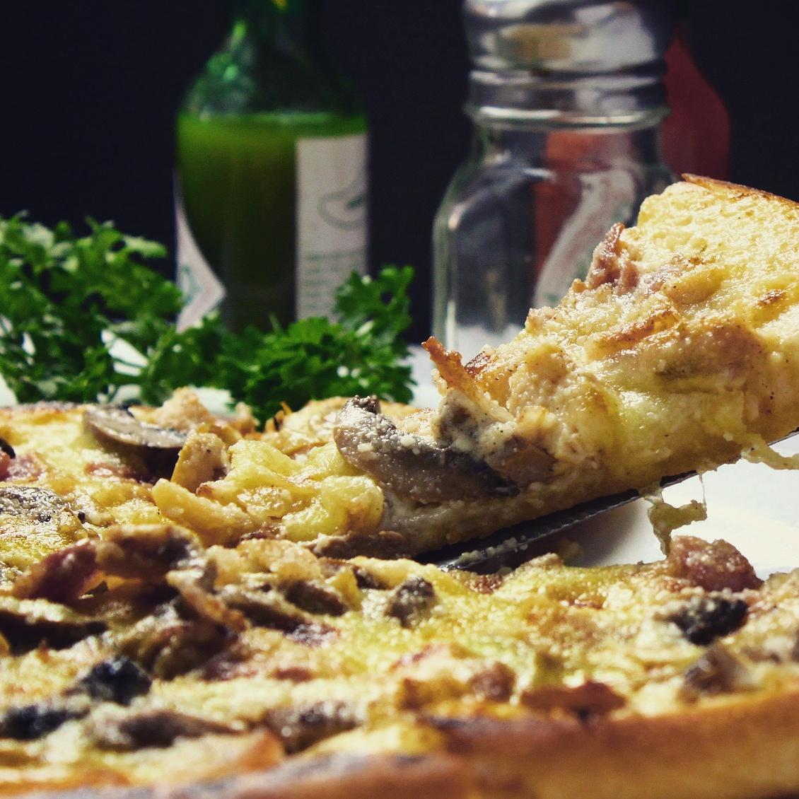 [Lokal Reutlingen Pizza TwisTo] Neueröffnung Döner 2,50€, jede kl. Pizza 4€ und jede gr. Pizza 5€