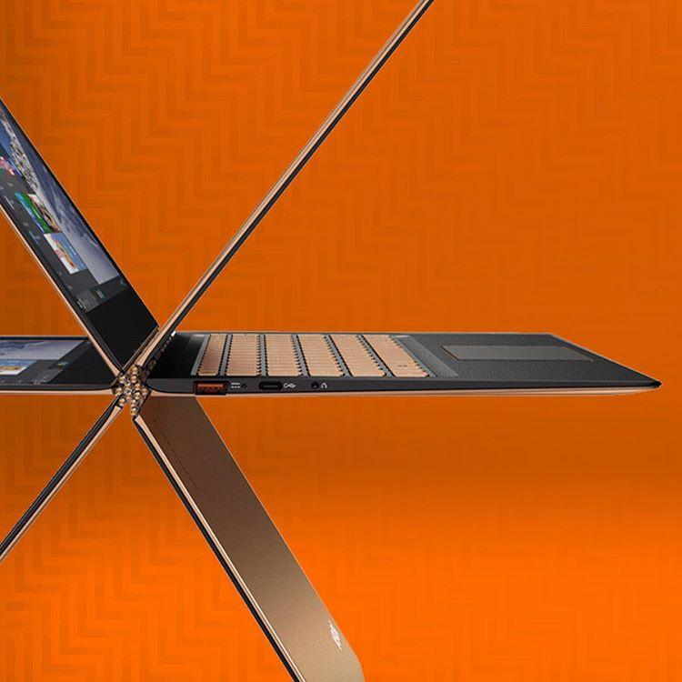 Lenovo Yoga 900S Ultrabook mit 12,5 '', Core m7, 2560x1440 px Touch Display, 8GB RAM, 512GB SSD und Win10