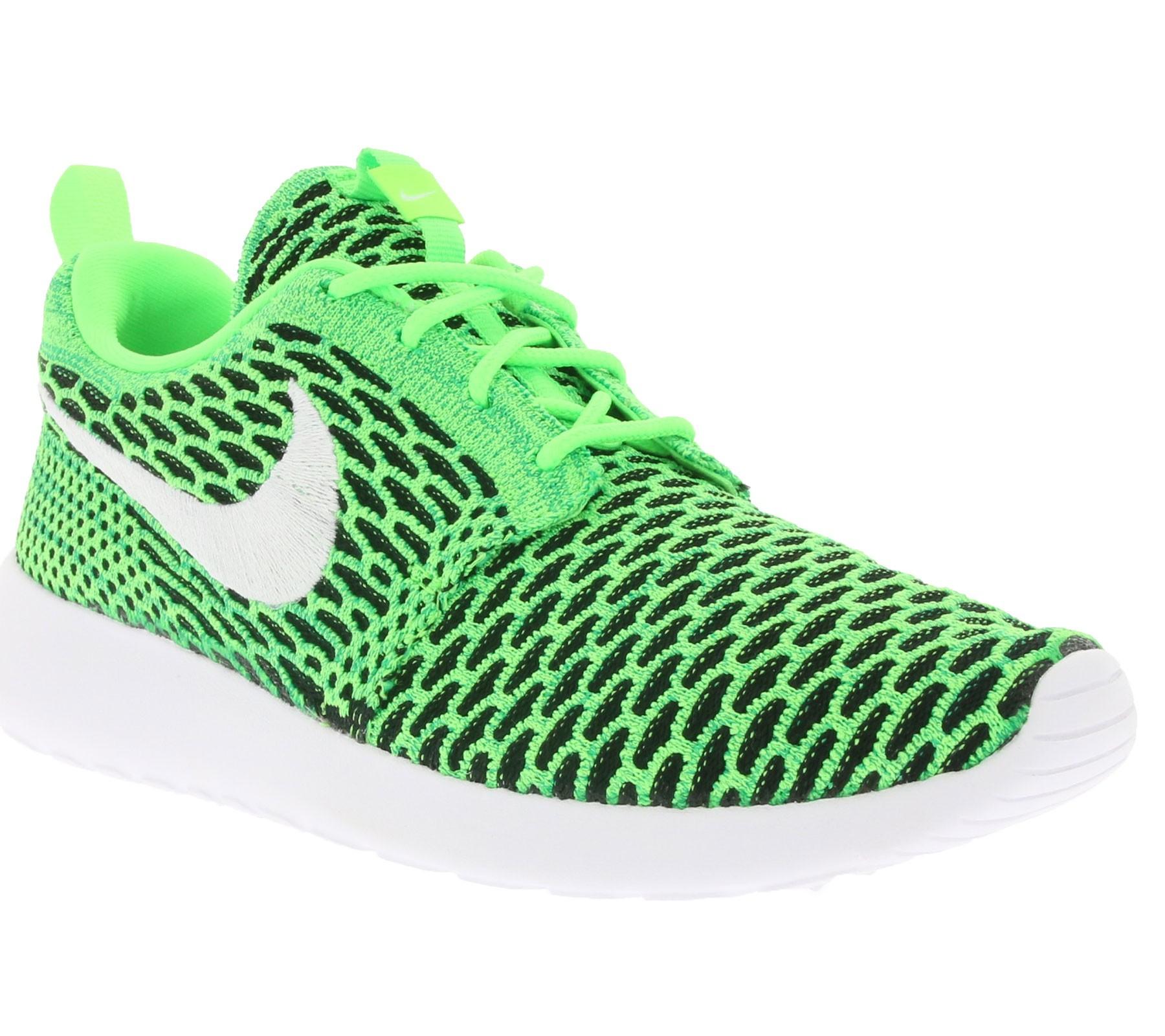Nike WMNS Rosherun Flyknit Damen Sneaker Grün für nur 44,99€ @outlet46