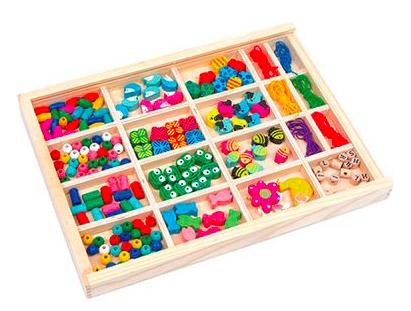 """Fädelbox """"Vivien"""" inklusive 6 Gummibändern von Small Foot für 13,94€ inkl. VSK bei [babywalz]"""