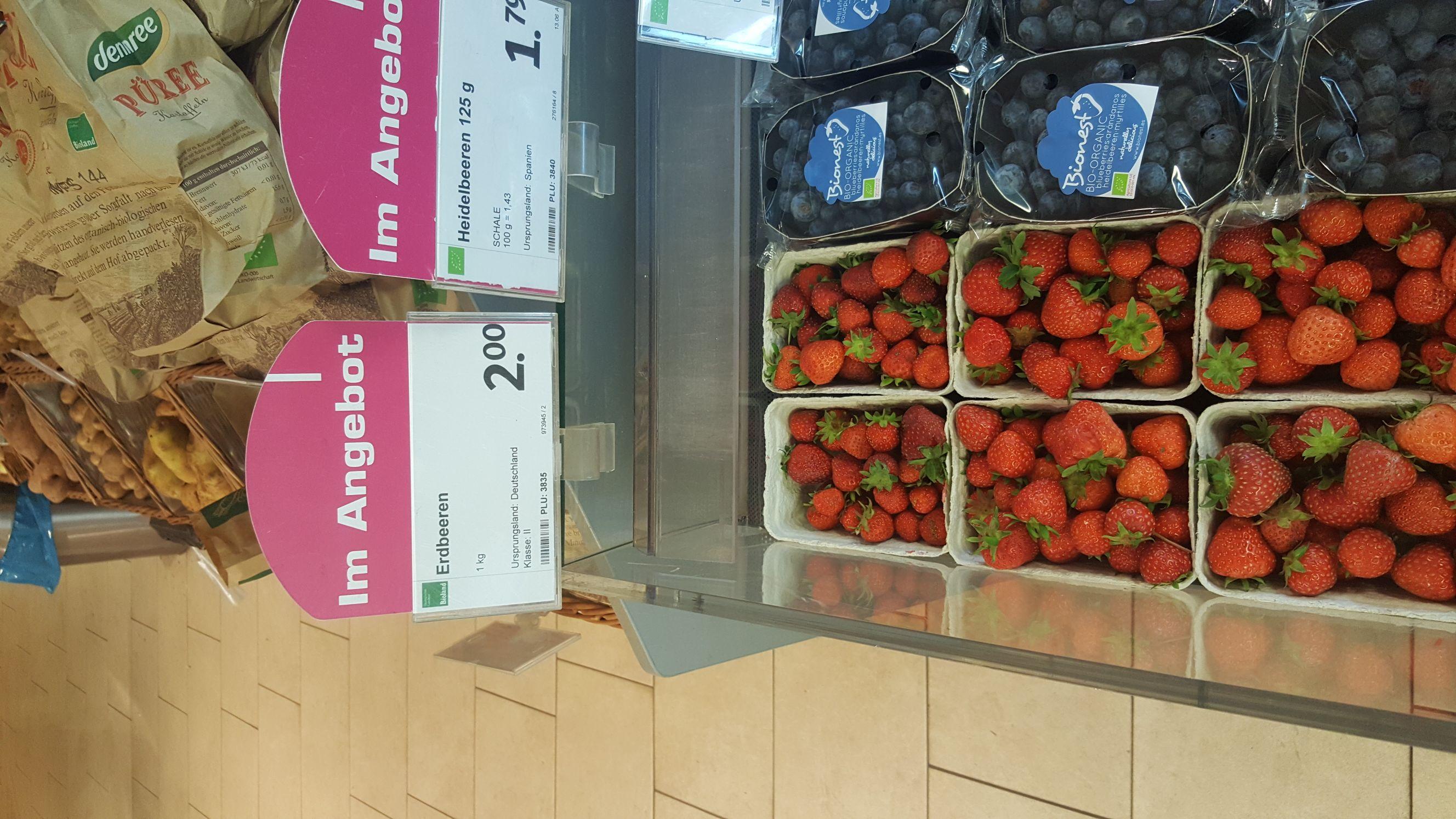 [lokal Hamburg bergedorf] Bio Erdbeeren 2€/Kilo bei Denns