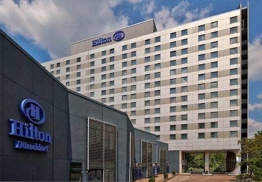 Übernachtung im 4,5* Hilton Hotel Düsseldorf für 2 Personen inkl. Frühstück und Parken [Secret Escapes]