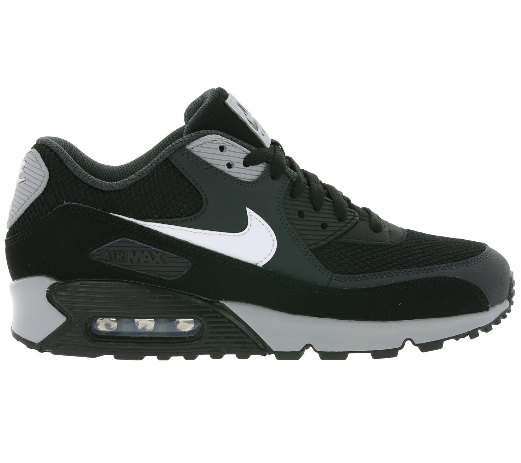 Nike Air Max 90 Essential (Farbe: Schwarz/Grau/Weiß) für  79,99€ [Outlet46]