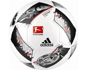 Adidas Fusball Neu nur einmal Versand //ADIDAS Fußball | A04824