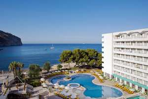 6 Tage Mallorca im 4*-Top Hotel mit seitlichem Meerblick Zimmer inkl. Halbpension & Transfers ab 477€ p.P.