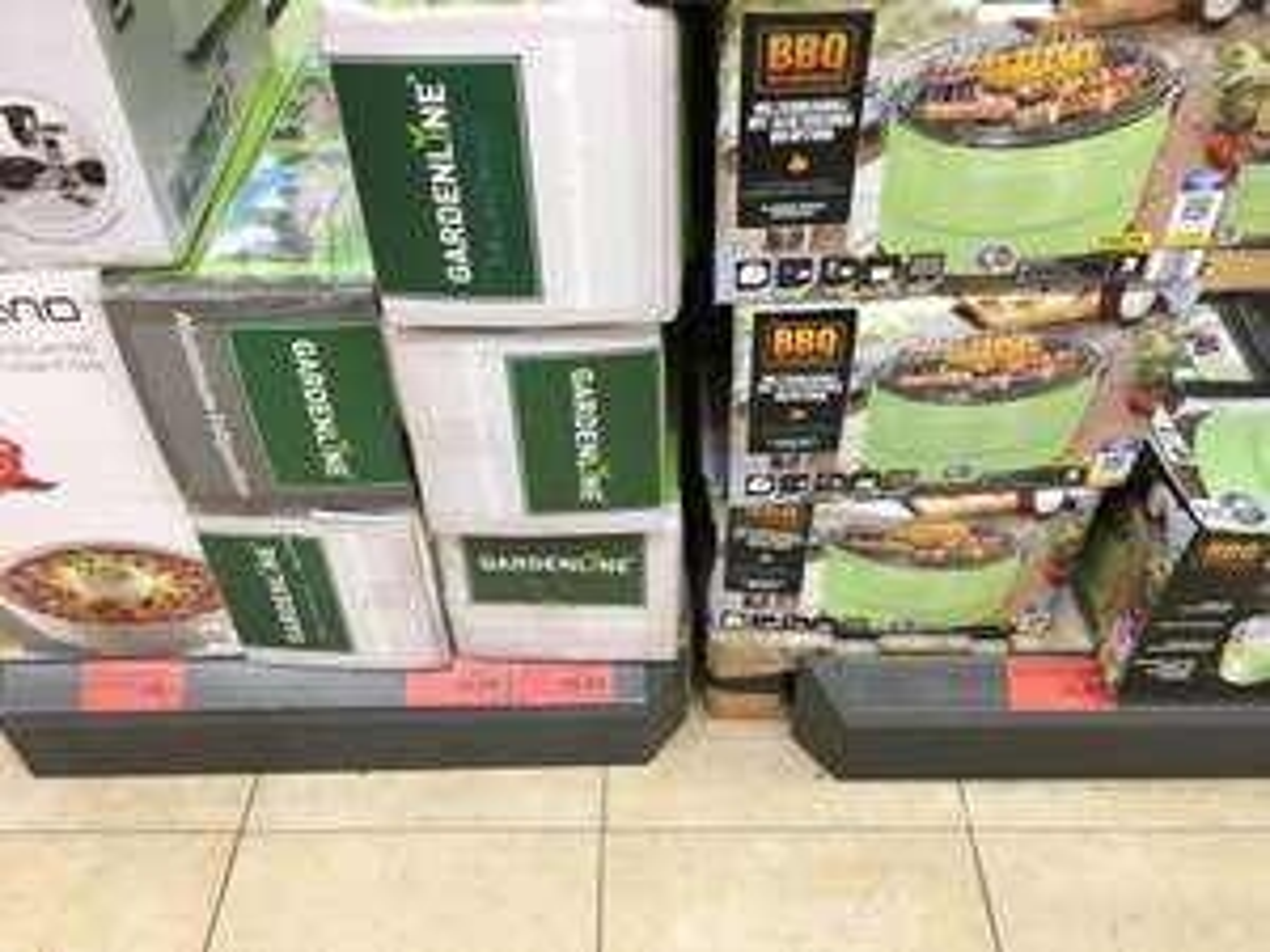 [Lokal Aldi Karlsruhe/Beiertheim] Aktiv Holzkohlegrill ähnlich Lotusgrill 24,99€ Küchenmaschine ähnlich Thermomix 99€
