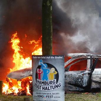 Kostenlose HVV Monatskarte für alle geschädigten Autobesitzer in Hamburg