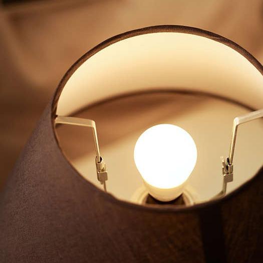 Philips LED E27, warmweiß, 7 Watt (entspr. 60 Watt), 806 Lumen für 2€ / Stück oder 7€ / 4 Stück