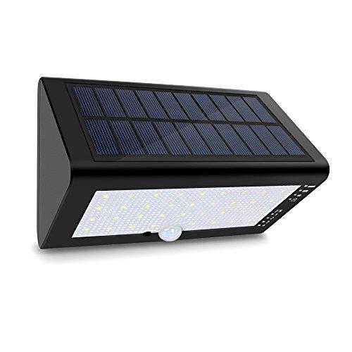 [Amazon.de] Solaraußebleuchte (4000 mAh) 35 LEDs 4 Modi mit Bewegungsmelder und 180° WeitwinkeL
