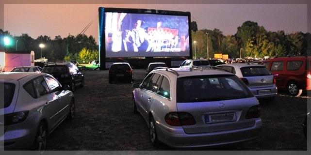 [DailyDeal] Kinoerlebnis für Zwei inkl. Popcorn und Chicken Nuggets im Autokino Berlin am BER für 19,90 € (statt 40€)