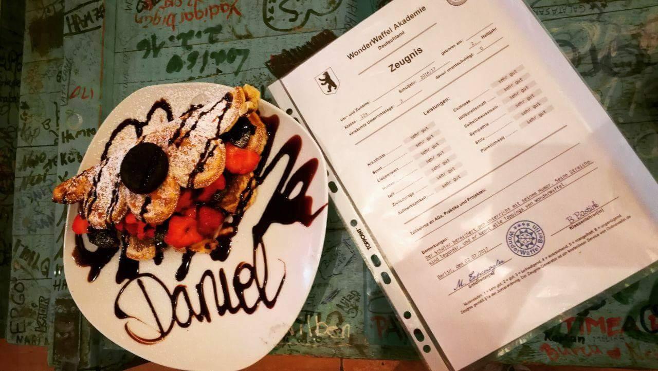 [Lokal: WonderWaffel Essen] Zeugnisaktion: WonderWaffel/Shake/Eis umsonst für schlechte Noten!