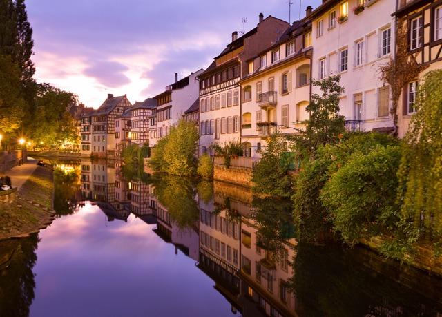 Hotel: 4 Sterne Hilton Straßburg - Ab 97,45€ pro Nacht im Deluxe Zimmer mit King-Size-Bett und Frühstück!