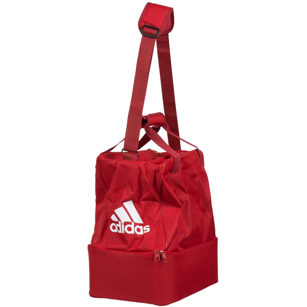 Komisch geformte Adidas Performance FB Teambag BC M Sporttasche in Rot für nur 9,99€ @outlet46