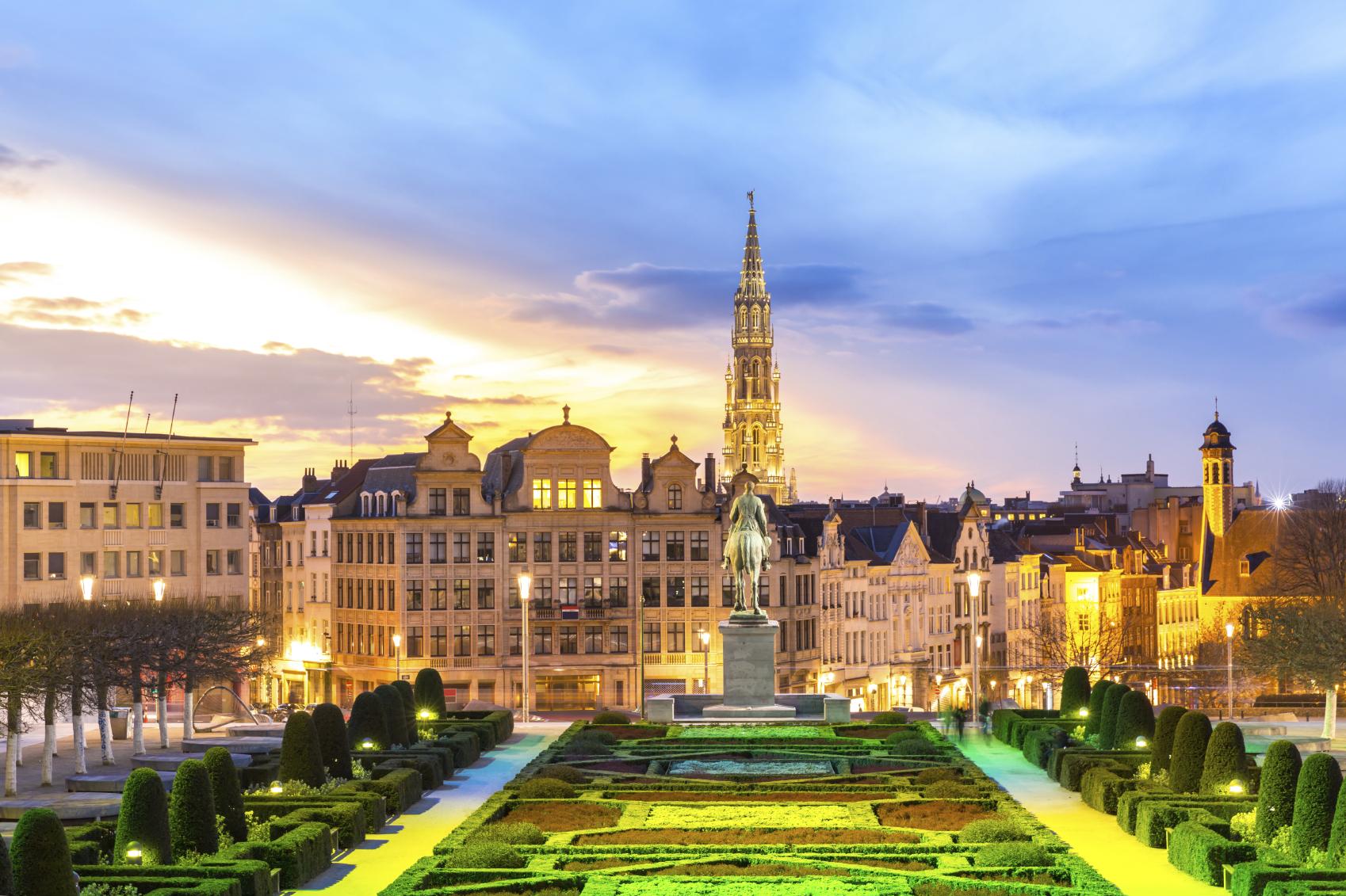 Hin- und Rückflug nach Brüssel oder Rumänien ab 1€ von Hamburg oder Memmingen