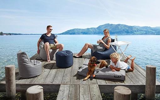 Lehnen-Sitzsack Kerim (zwei Farben) bzw. XXL Sitzsack Semi (hellgrau) - In-/Outdoor - für je 24,34 € inkl. Versand @ mömax.de
