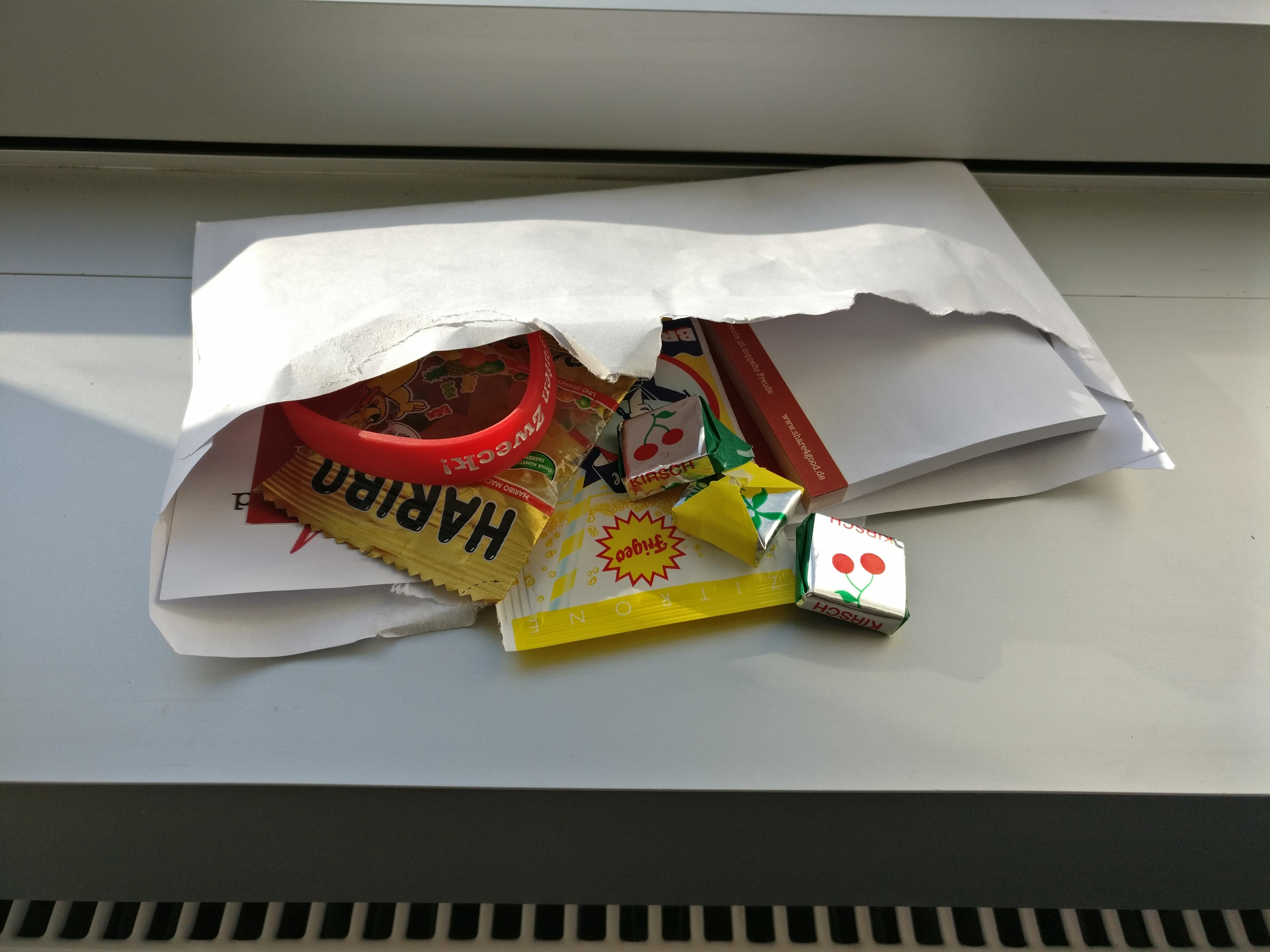 Gratis Süßigkeiten + Post-it auf share4good.de
