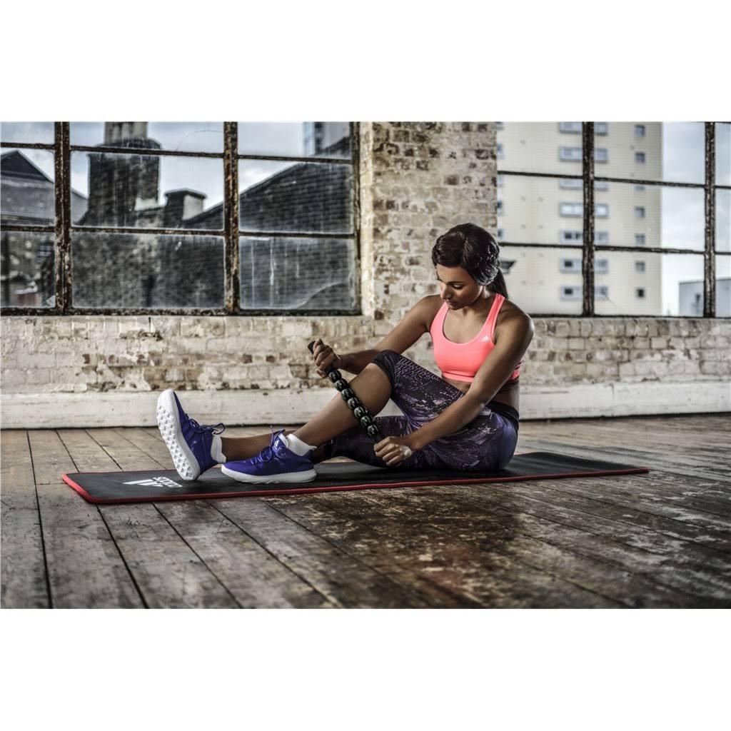 Adidas Special auf Rakuten mit günstigen Sprintfallschirmen, Gewichtswesten, Fitnessmatten, uvm.