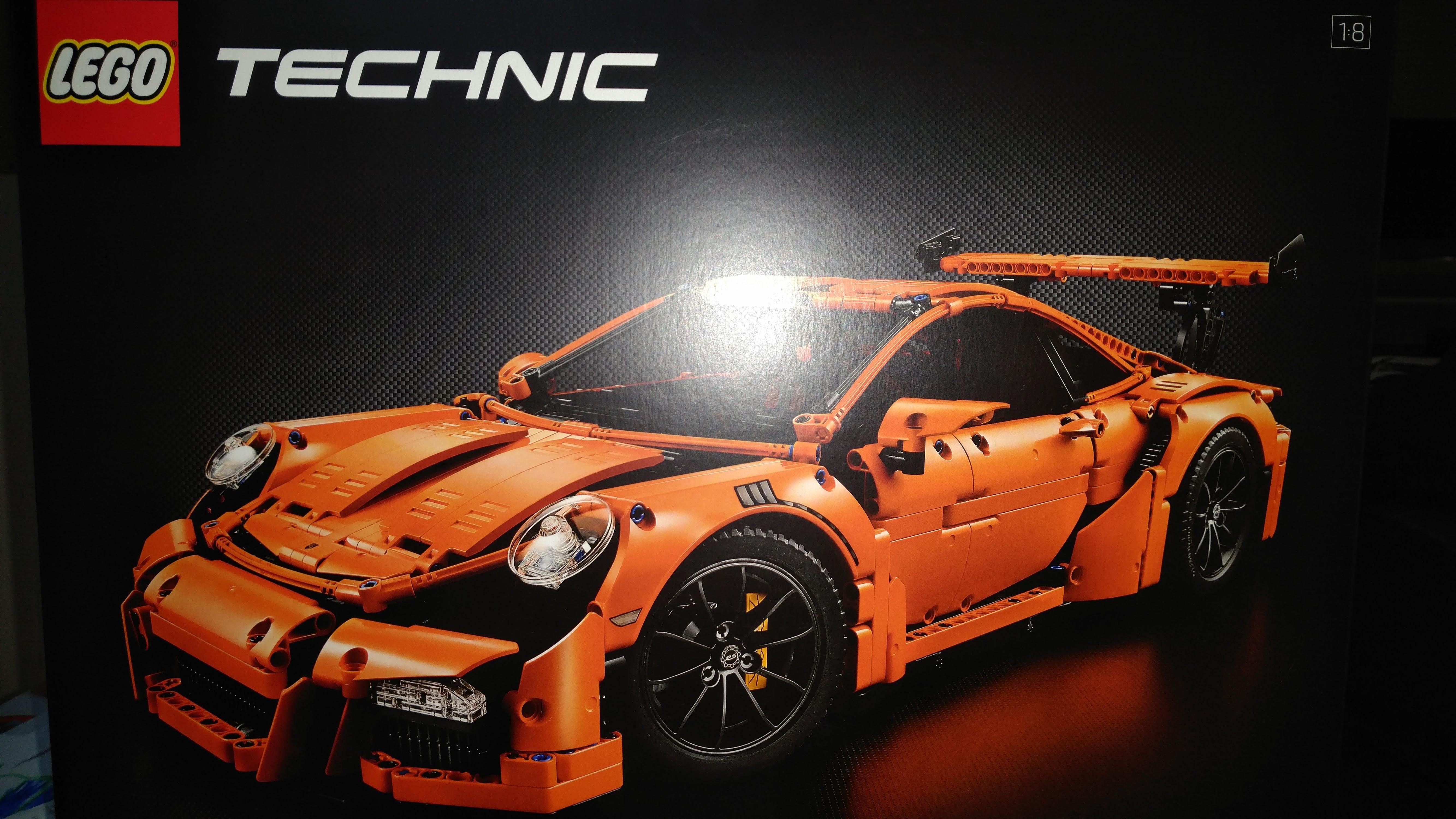 (Lokal Thalia Outlet Freital) Lego Porsche 911 GT3 RS, Star Wars 50%