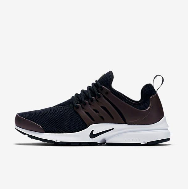 Nike Air Presto Damensneaker in Schwarz oder Weiß für 62,47€ (VGP: 81€)