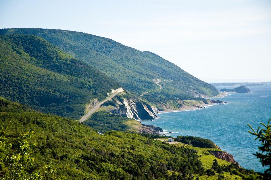Urlaubspiraten : Traumhafter Herbst in Nova Scotia (Kanada): 7 Tage Rundreise mit Flügen & Van ab 497€