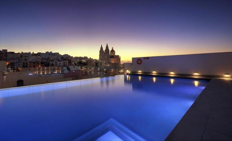 MALTA-SCHNÄPPCHEN 5 Tage im 4 Sterne SPA Hotel (Zertifikat für Exzellenz) mit Wellnessgutschein und Flügen *gegen wenig Aufpreis auch als Single buchbar*