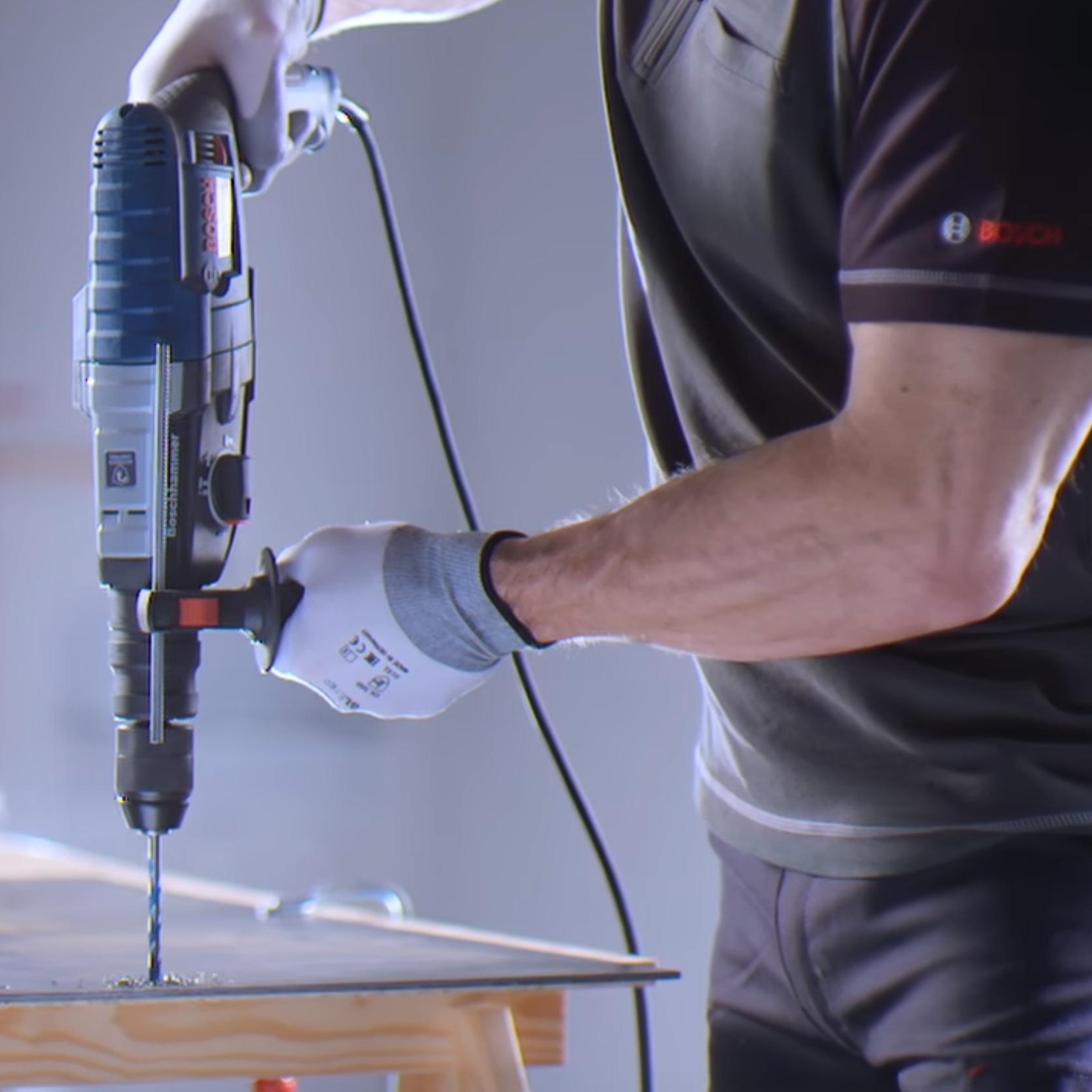 Bosch Professional GBH 2-28F Elektro-Bohr-/Meißelhammer inkl. Koffer + X5L Bohrersatz