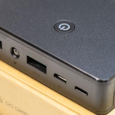 Aukey 20000mAh Powerbank mit QC 3.0, zwei Ausgängen und Lightning & Micro-USB Input