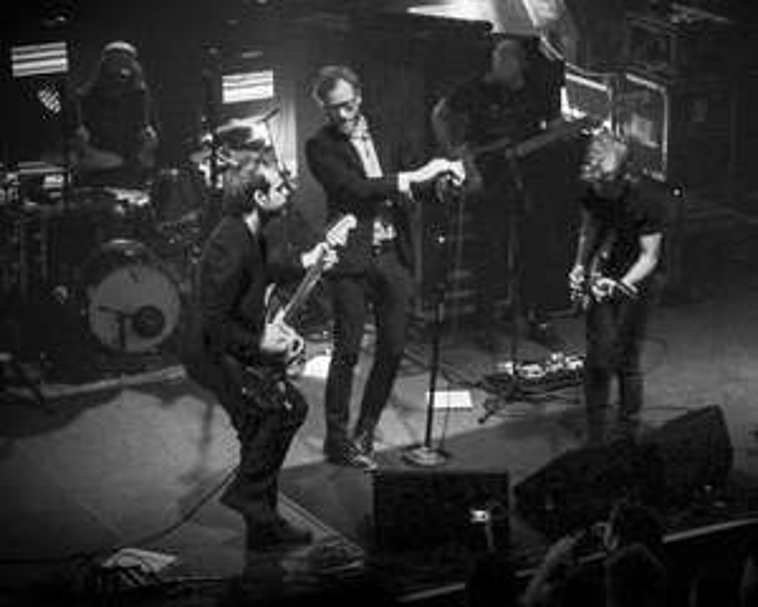 """[NPR First Listen Special] The National live mit """"Sleep Well Beast"""" und 3-CD-Punk-Album """"Savage Young Dü"""" im Stream + Download"""