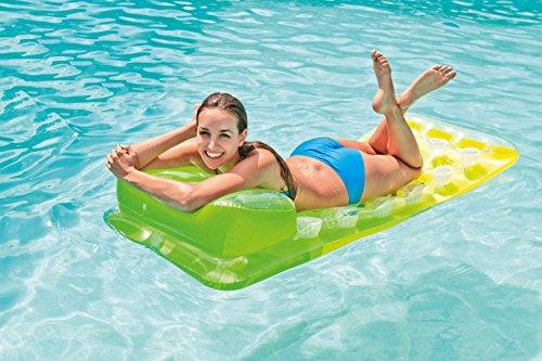 Intex Luftbett für 7,60€ / Intex Lounge für 3,64€ / Intex Luftpumpe für 5,39€ / Intex Fußpumpe für 2,74€ / Bestway Schwimmring für 2,19€ / Intex Boot 26,88€ [Amazon Plus/Prime]