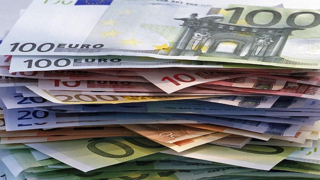gratis Doku - Die große Geldflut - Wie Reiche immer reicher werden
