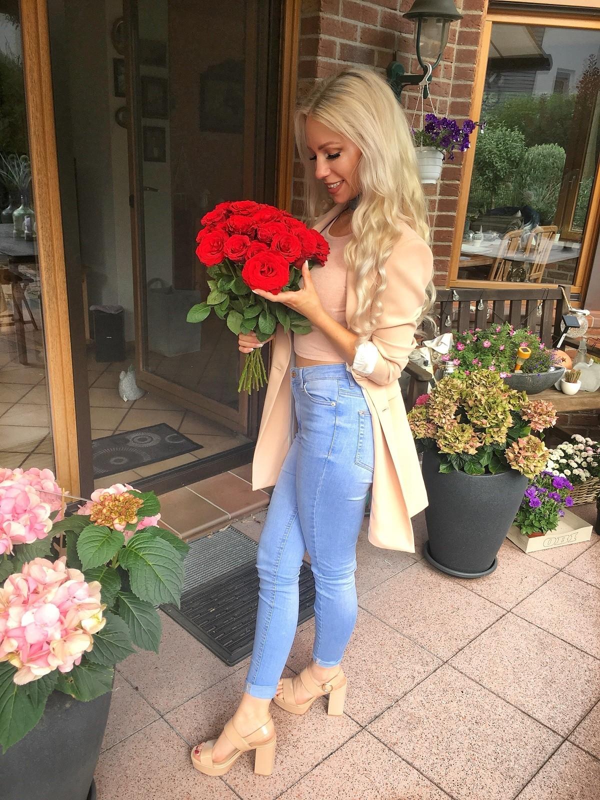 41 rote Rosen mit 50cm Stiellänge = Stückpreis ca. 61 Cent