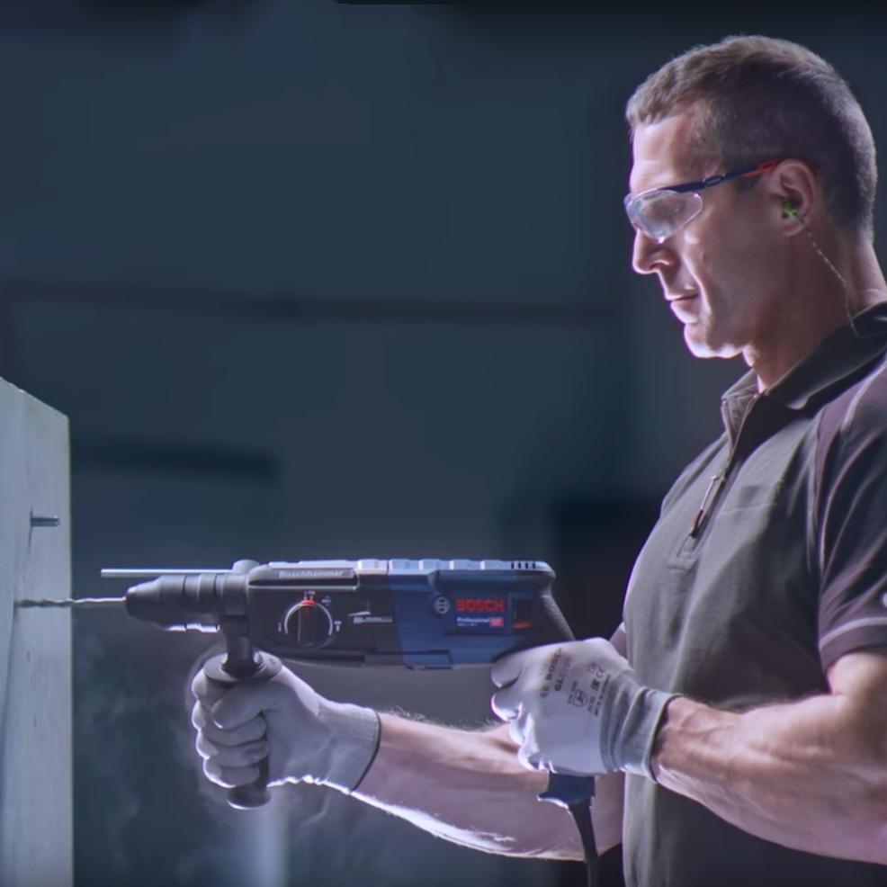 Bosch Professional Bohrhammer SDS-plus GBH 2-28 F + Akku-Bohrschrauber GSR 10,8-2-LI inkl. L-Boxx