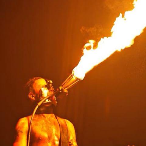 [arte] Rammstein: Paris Doku/Musikfilm am 27.10. um 21:45 auf Arte