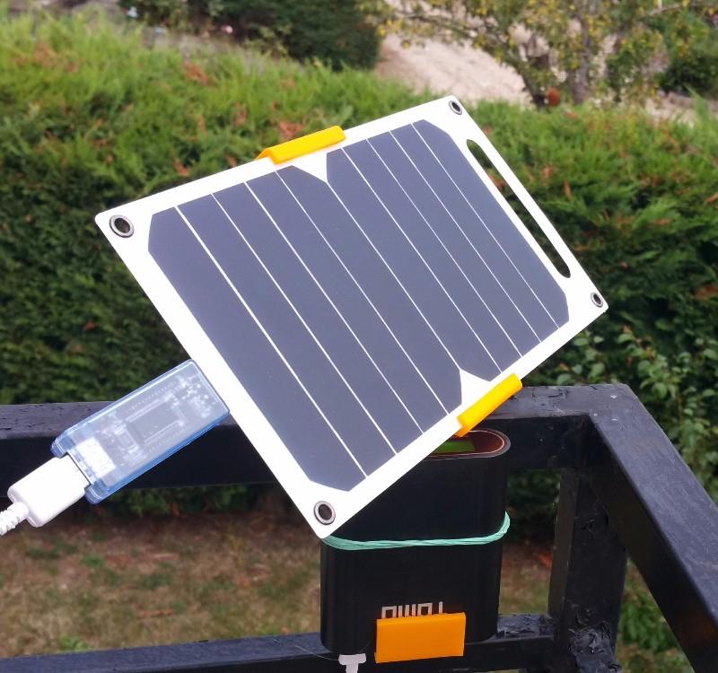 Solar Smartphone Ladegerät USB 10W sehr dünn - z.B. Camping