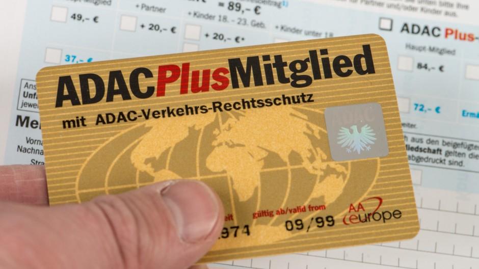 [Web.de] ADAC Plus Mitgliedschaft + 30€ BestChoice Gutschein