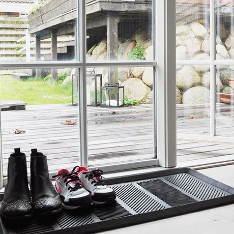 tica copenhagen Schuhablage für 21,90€@ Monoqi - für 4 Paar Schuhe // alternativ 6,99€für eine Hartplastikwanne von IKEA