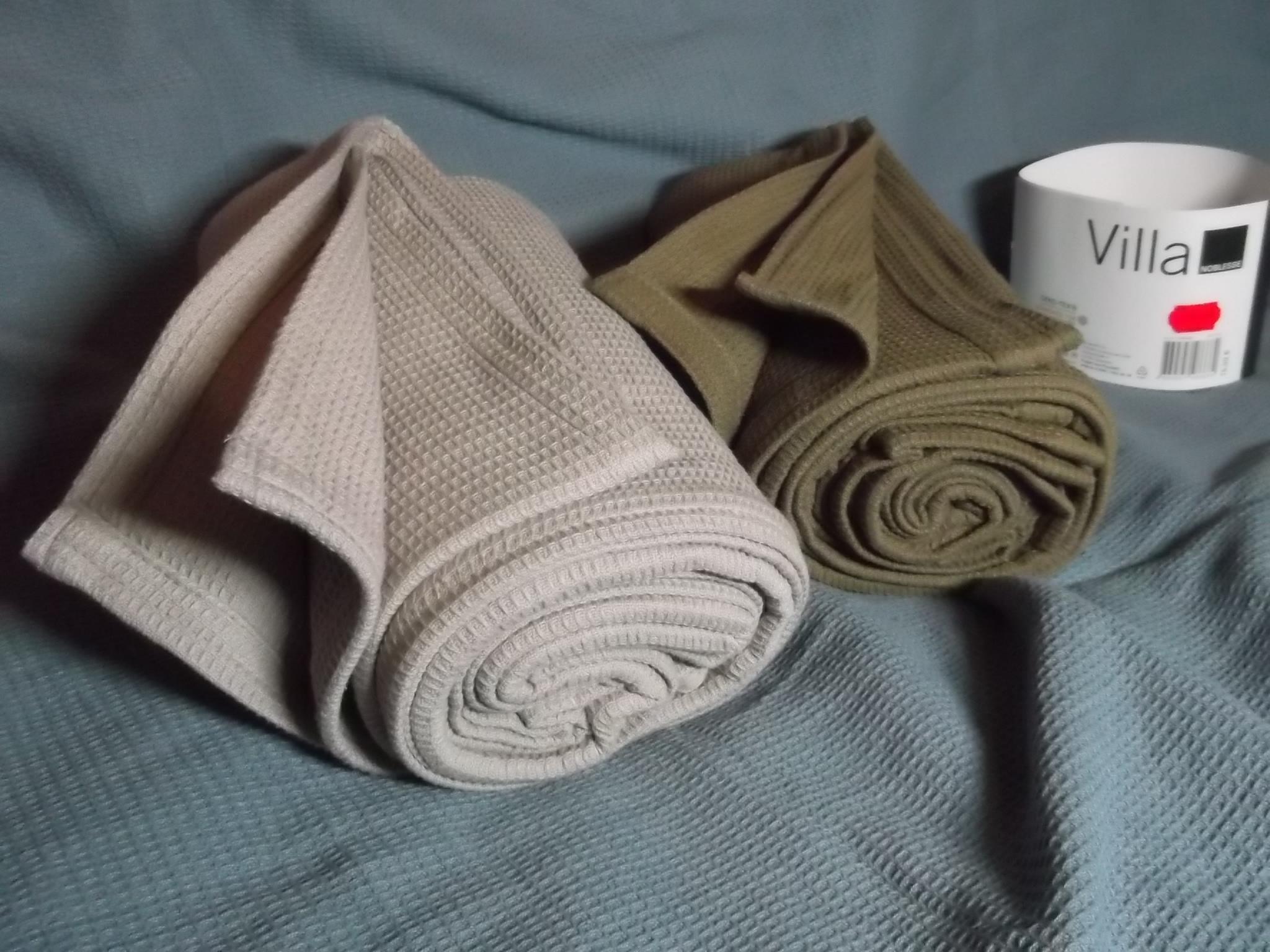 [Offline] Real Märkte: Wohndecke aus Baumwolle in Waffelpique, 130x170 cm im Abverkauf, statt 15,99 EU