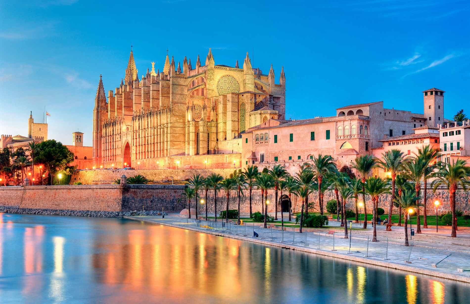 **Kurztrip nach Mallorca** 5 Tage im 4* Hotel inkl. Frühstück + Flug + Transfer + Zug zum Flug für 199 € p.P.