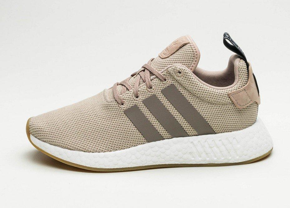 """Adidas NMD R2 """"Beige"""" für 73,25€ inkl. Versand in den Größen 40 2/3 - 45 1/3 [Sneakerbaas]"""