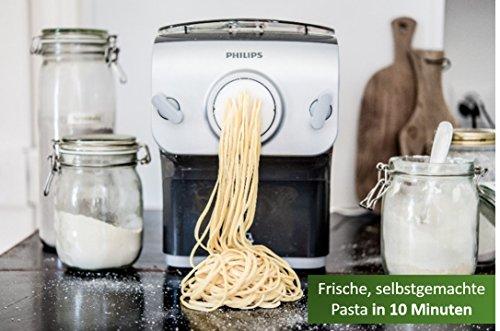 [amazon] Philips HR2358/12 Pastamaker (200 W, vollautomatische Nudelmaschine, mit Wiegefunktion und 8 Formscheiben) in grau/silber + Keksformscheiben (kostenlos statt 14,99€)