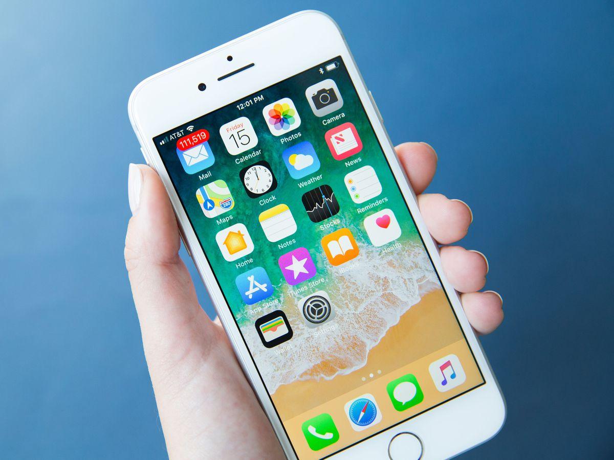 iPhone 8 64 GB + AirPods + Telekom Magenta Mobil M (Young)