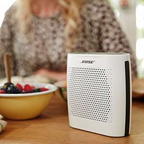 [amazon]  Bose ® SoundLink Colour Bluetooth Lautsprecher (Li-Ion-Akku) in weiß