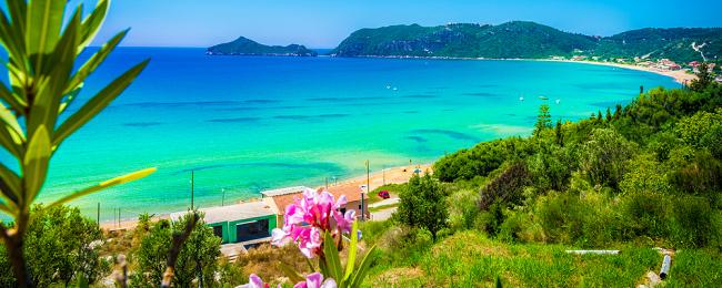 (Frühling) 7 Tage 4* Hotel in Korfu inkl. Flügen ab London [128€ p.p]
