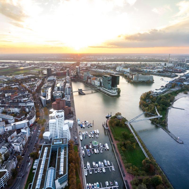Hotel: Düsseldorf [Dezember - Februar] - Doppelzimmer - 1 Nacht im 4 Sterne Van der Valk Airporthotel ab nur 74€ inkl. Frühstücksbuffett und Nutzung von Sauna, Wellnessbereich und Fitnessraum