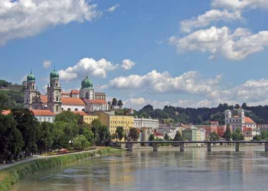 5-Tage Last-Minute Donau Kreuzfahrt 06.12-10.12 Passau-Wien-Melk-Linz-Passau