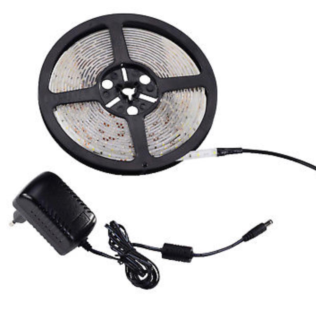 EBay: LED-Licht-Band Neutralweiß 19.8 Watt 1250-1475 Lumen....ULTRON 140853 5 Meter incl. Netzteil
