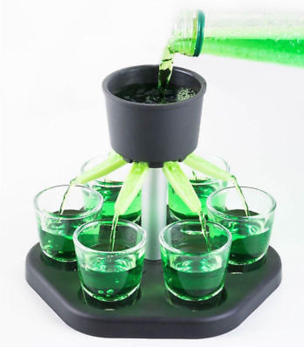 Schnapsquelle - Trinkspiel + 6 Gläser + Würfel (Perfekt für Silvester) [eBay]