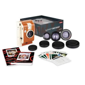 Lomo instant retro-Sofortbildkamera (wie Polaroid) mit Linsenset (Fisheye, Weitwinkel, Prorait, Close up) sowie 3 farbigen Gel-Blenden [Connox]